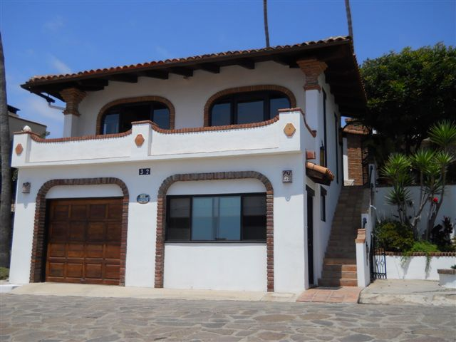 32PelicanosOesteThe House