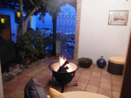 32oeste-Romantic Courtyard view of ocean