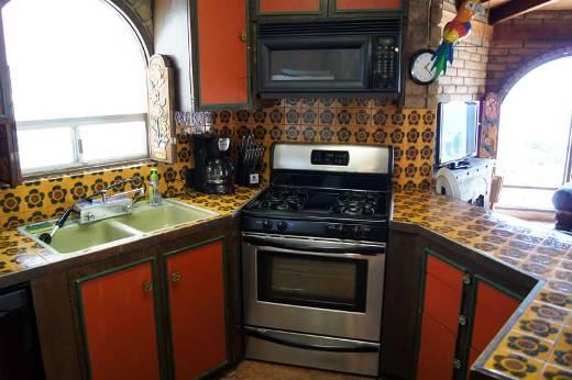 7PicudasO-kitchen