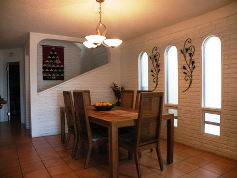 Casa Delfin Dining room