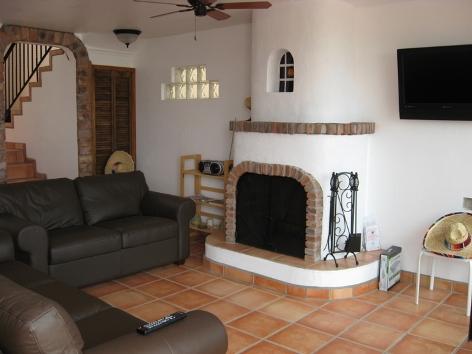 DulceVida05 Livingroom, Great Fireplace, Flatscreen with DVD