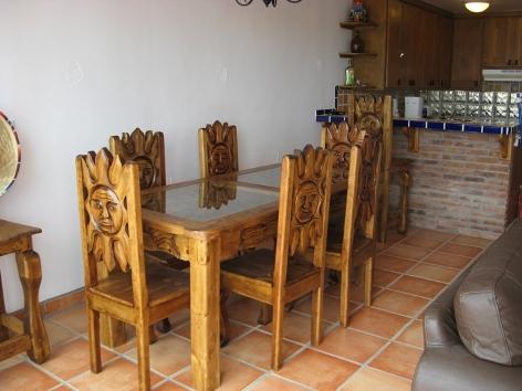 DulceVida10 Sunny Dining Area