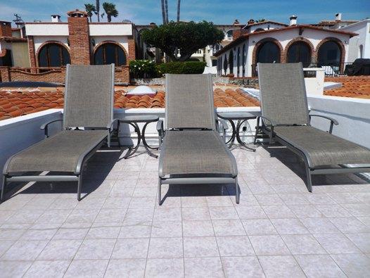 LaDulceVida-rooftop chairs