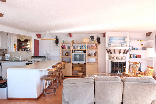 Living-kitchen2-Coral