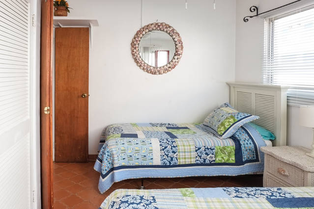 SECOND-BED1-CORAL