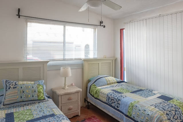 SECOND-BED2-CORAL