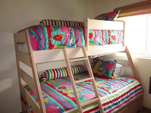 casa-de-tomas-bunk-beds
